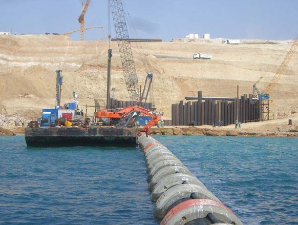 assistance-sous-marine-pour-le-tirage-installation-de-pipelines-en-PEHD-spool-et-tours-aspiration-en-algérie-à-oran