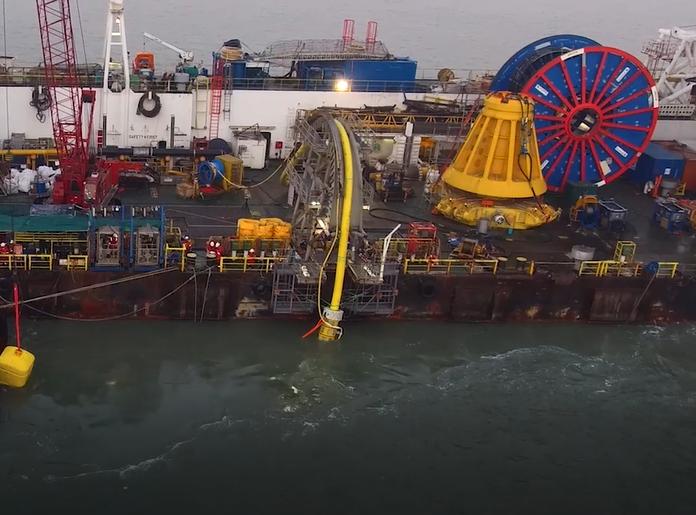 assistance-sous-marine-pour-GEOCEAN-pour-la-construction-terminal -FRSU-installation-complète-de-pipeline-plem-pipeline-spool-flexibles-et-lignes-ancrages